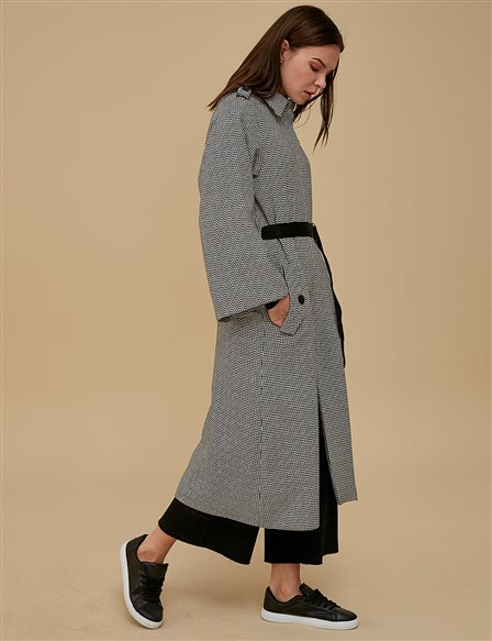 KYR Three Quarter Sleeve Coat Black | White A9 77004