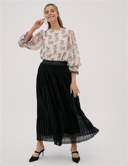 Pleated Lace Skirt Black B20 12081A