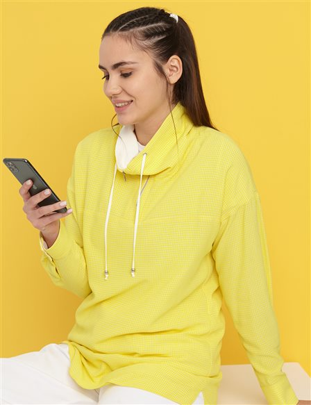 Half Zipper Turtleneck Tunic B21 21032 Yellow