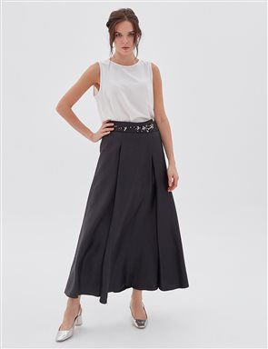 Pleated Skirt With Embroidered Belt B20 12050 Black