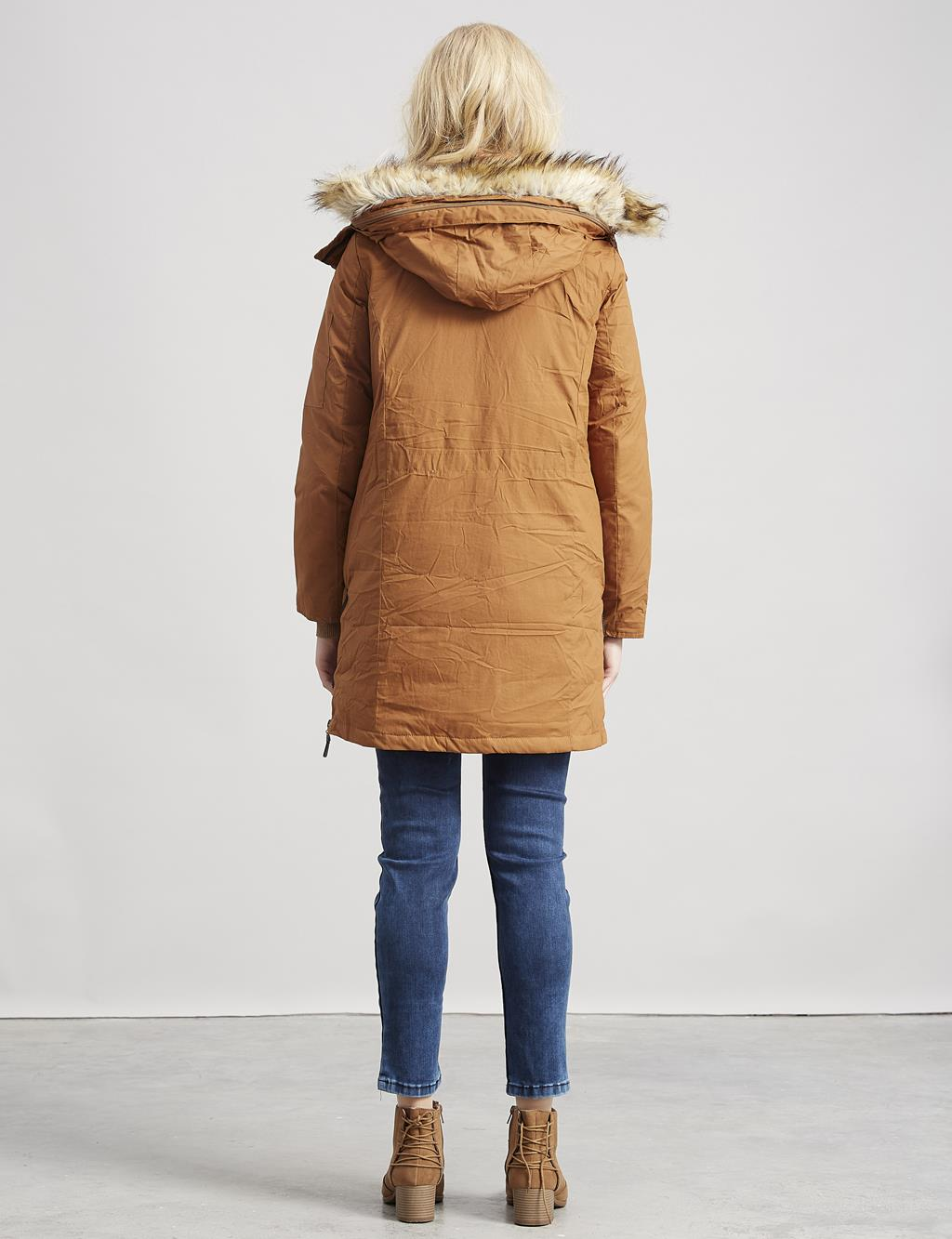 Goose-Quill Coat With Zipper Camel A7 24011