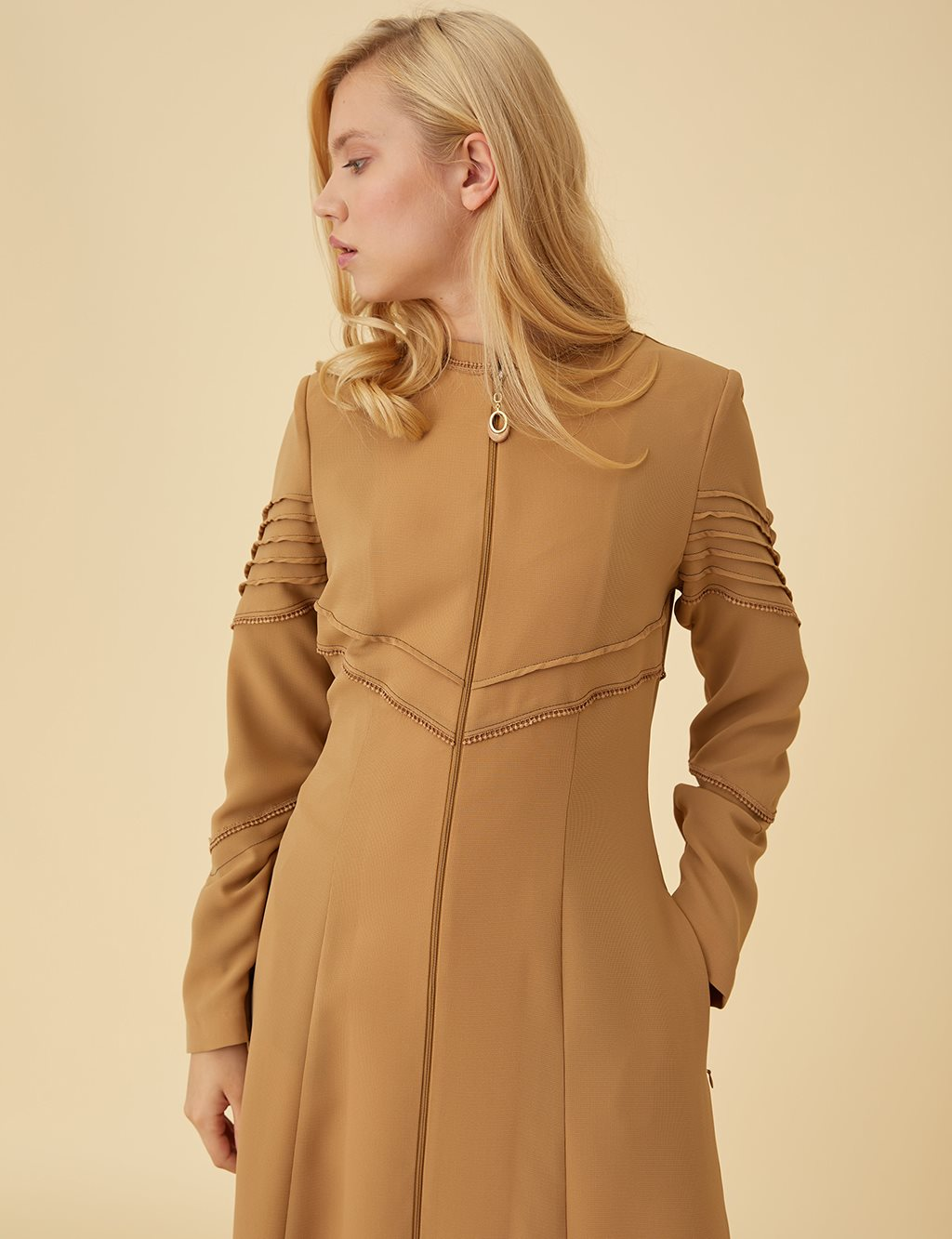 Zipper Detailed Overcoat Cream B9 15123