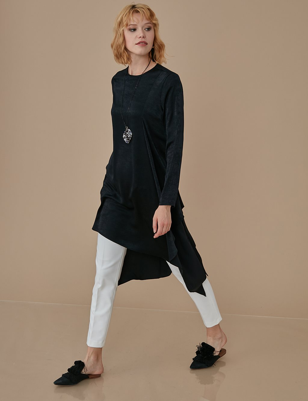 Asymmetric Tunic With Necklace A9 21116 Black