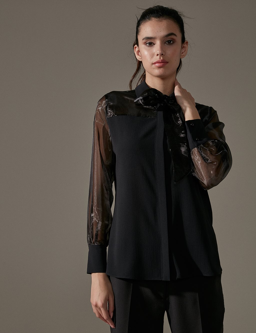 KYR Sleeve Detailed Velvet Blouse A9 70006 Black