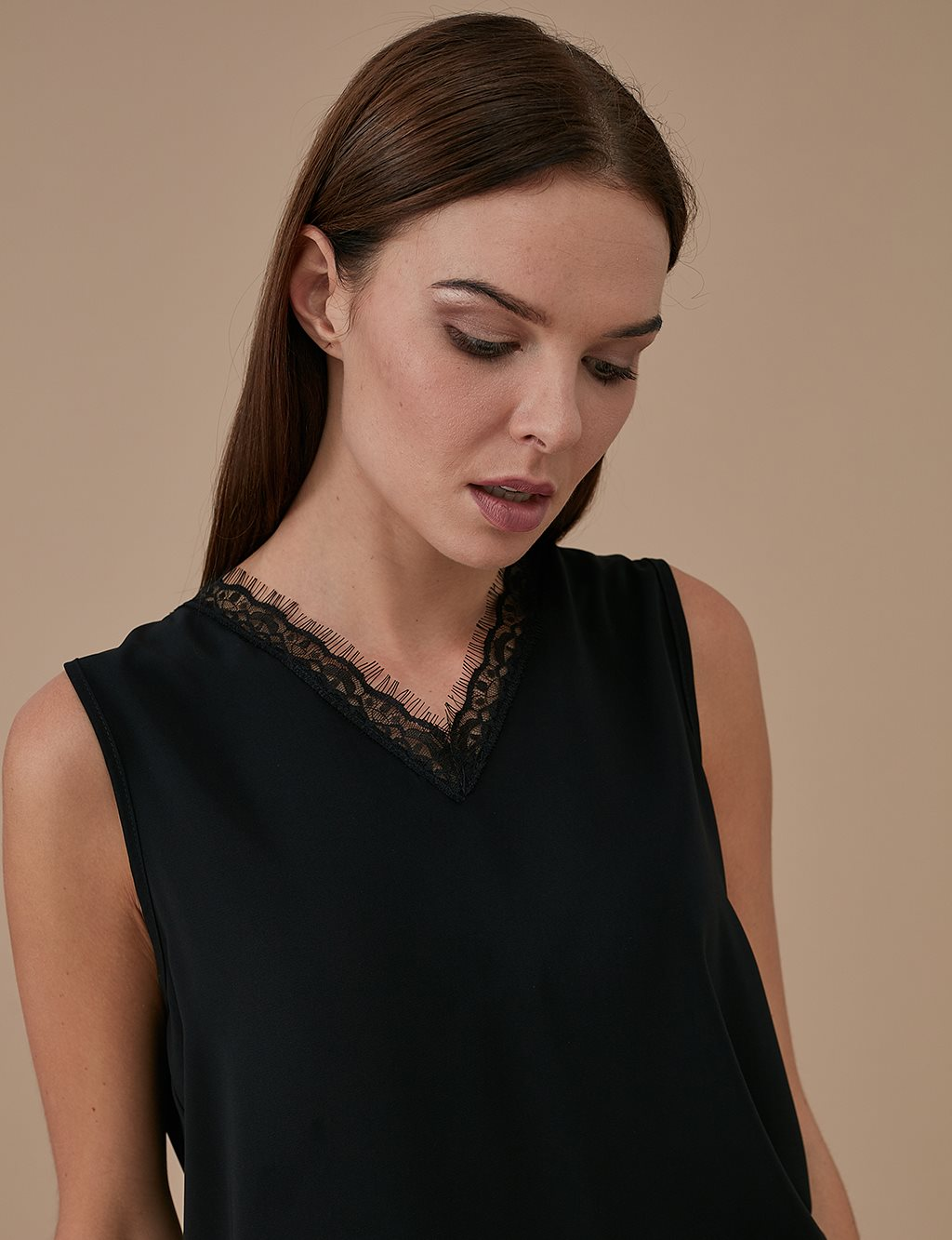 Lace Collar Sleeveless Blouse A9 10045 Black
