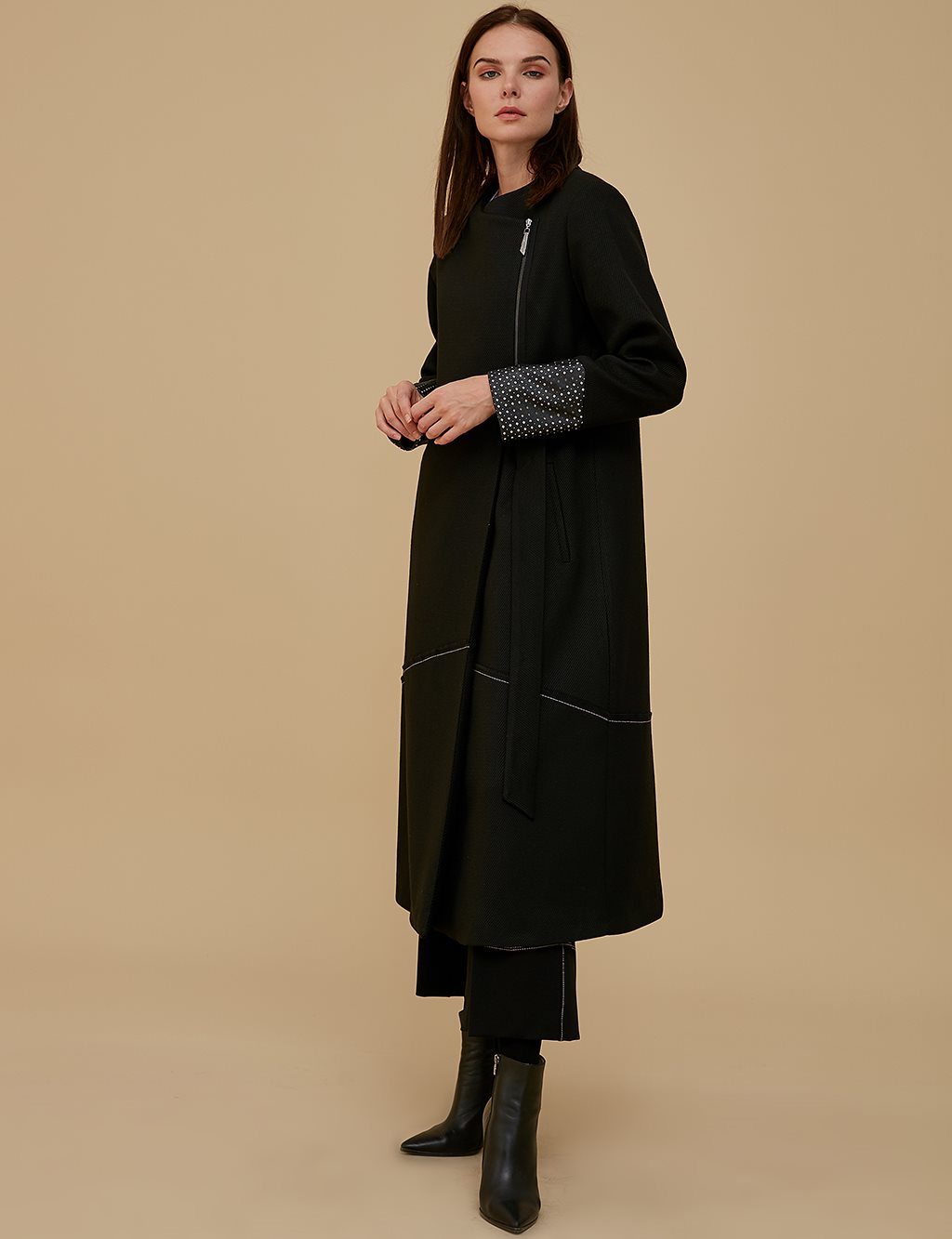 Envelop Leather Detailed Overcoat A9 25079 Black