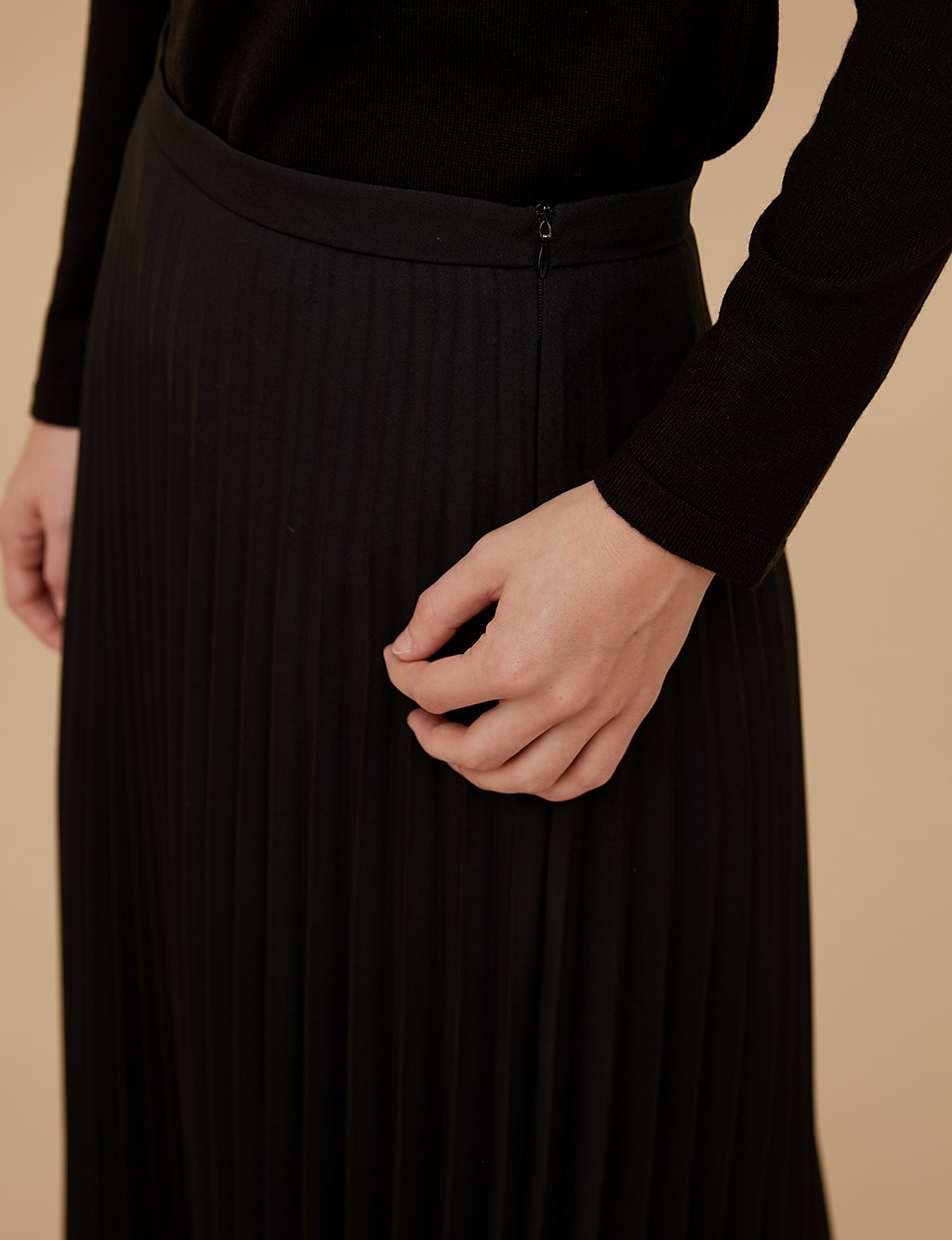 Basic Pleated Skirt SZ 12501 Black