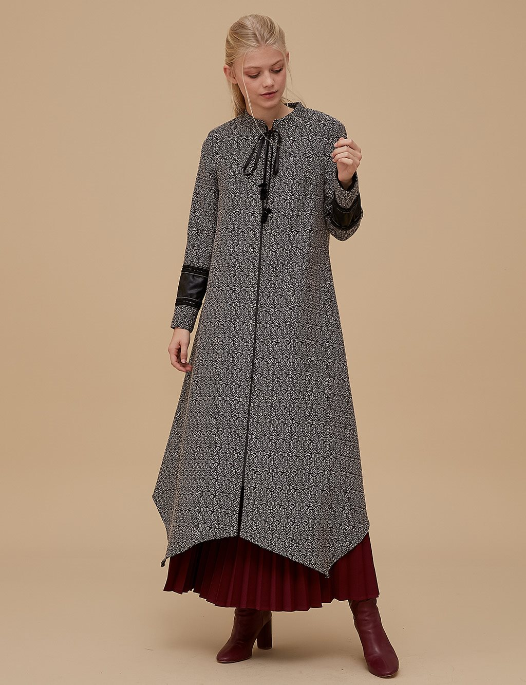 KYR Asymmetric Overcoat A9 85001 Black