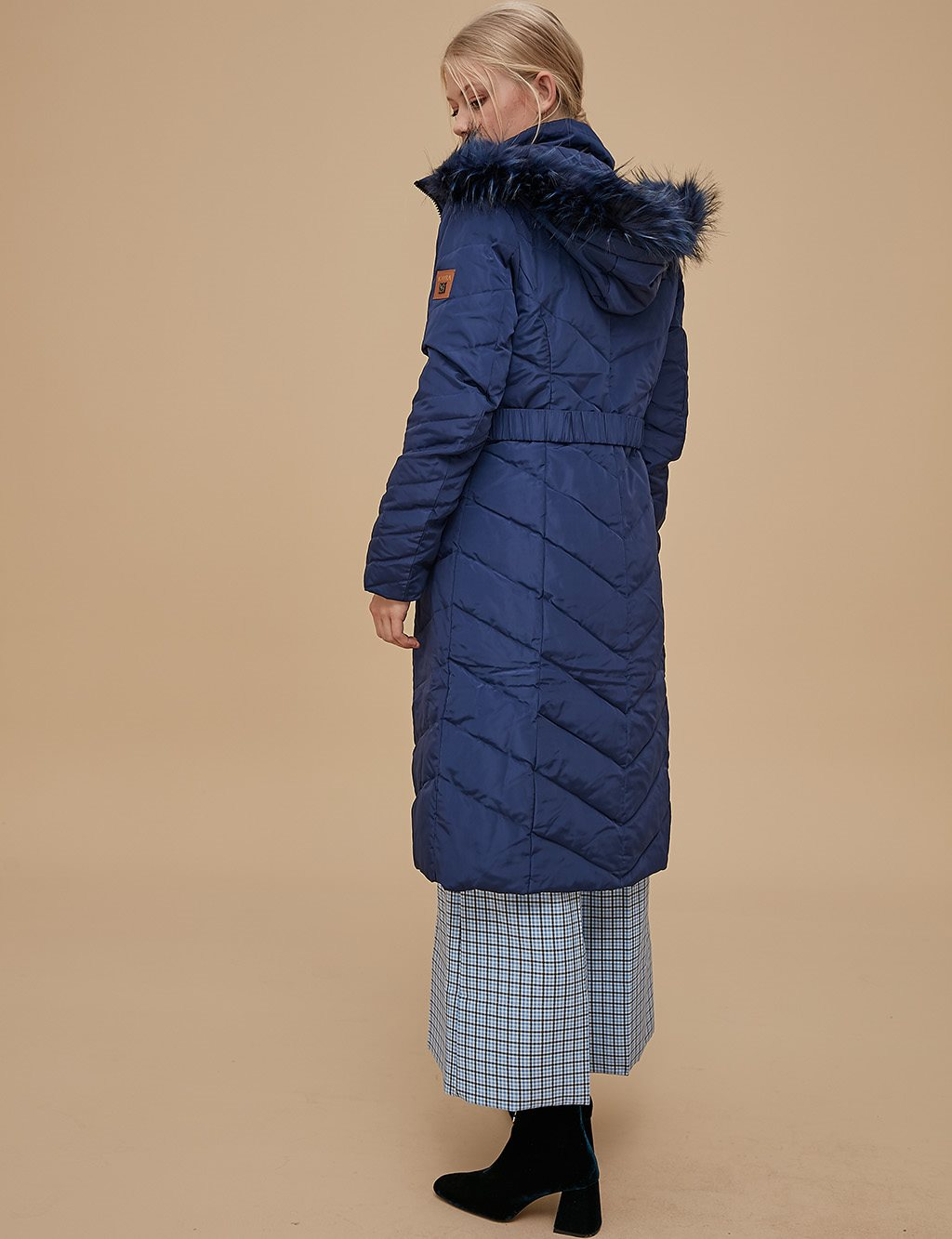 Goose-Quill Coat With Portable Hood Navy A8 27005