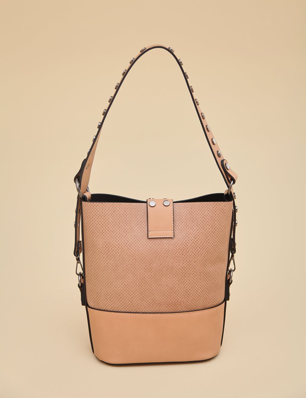 Shoulder Bag With Staple A9 CNT16 Camel