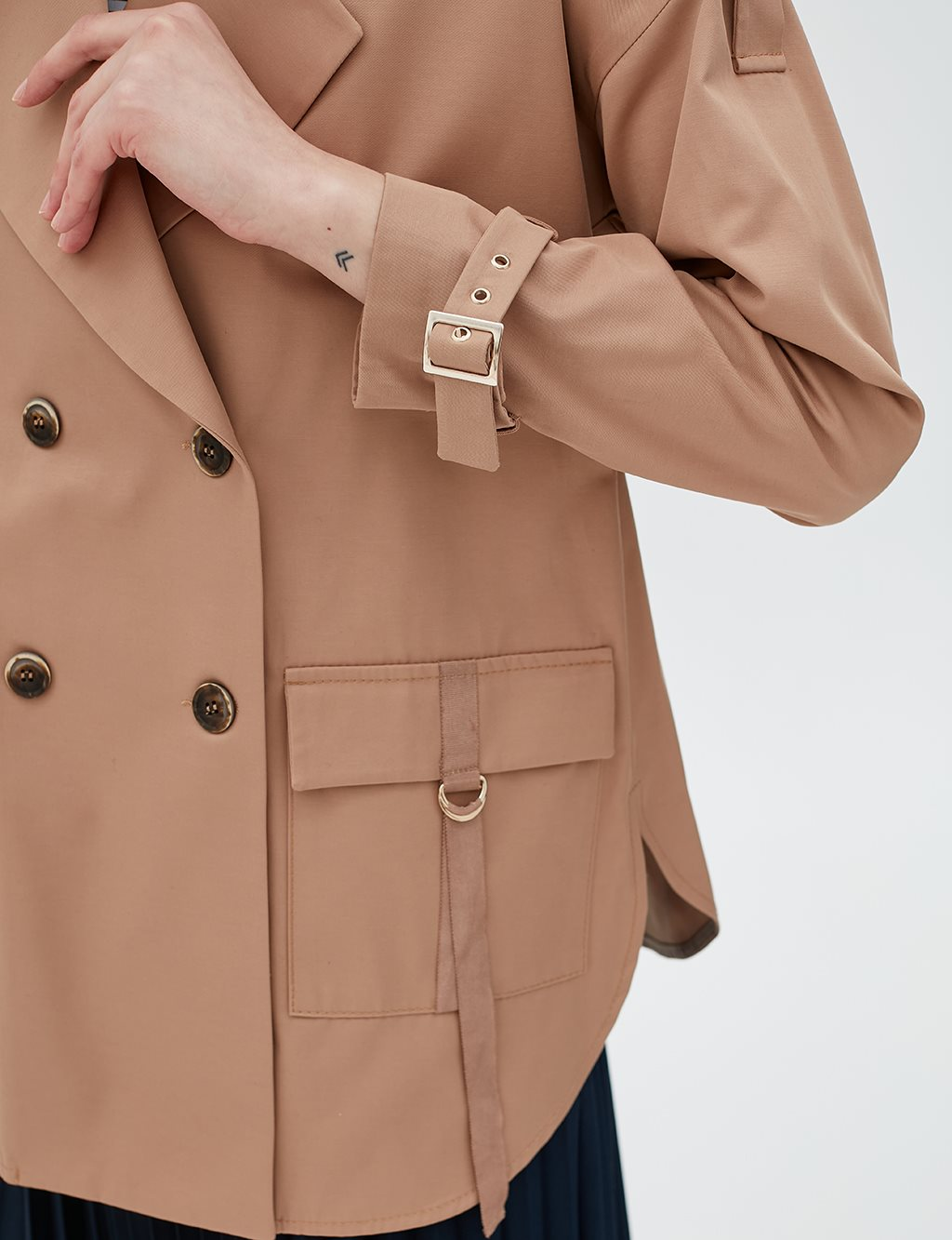 Sleeve Detailed Jacket B20 13011 Beige