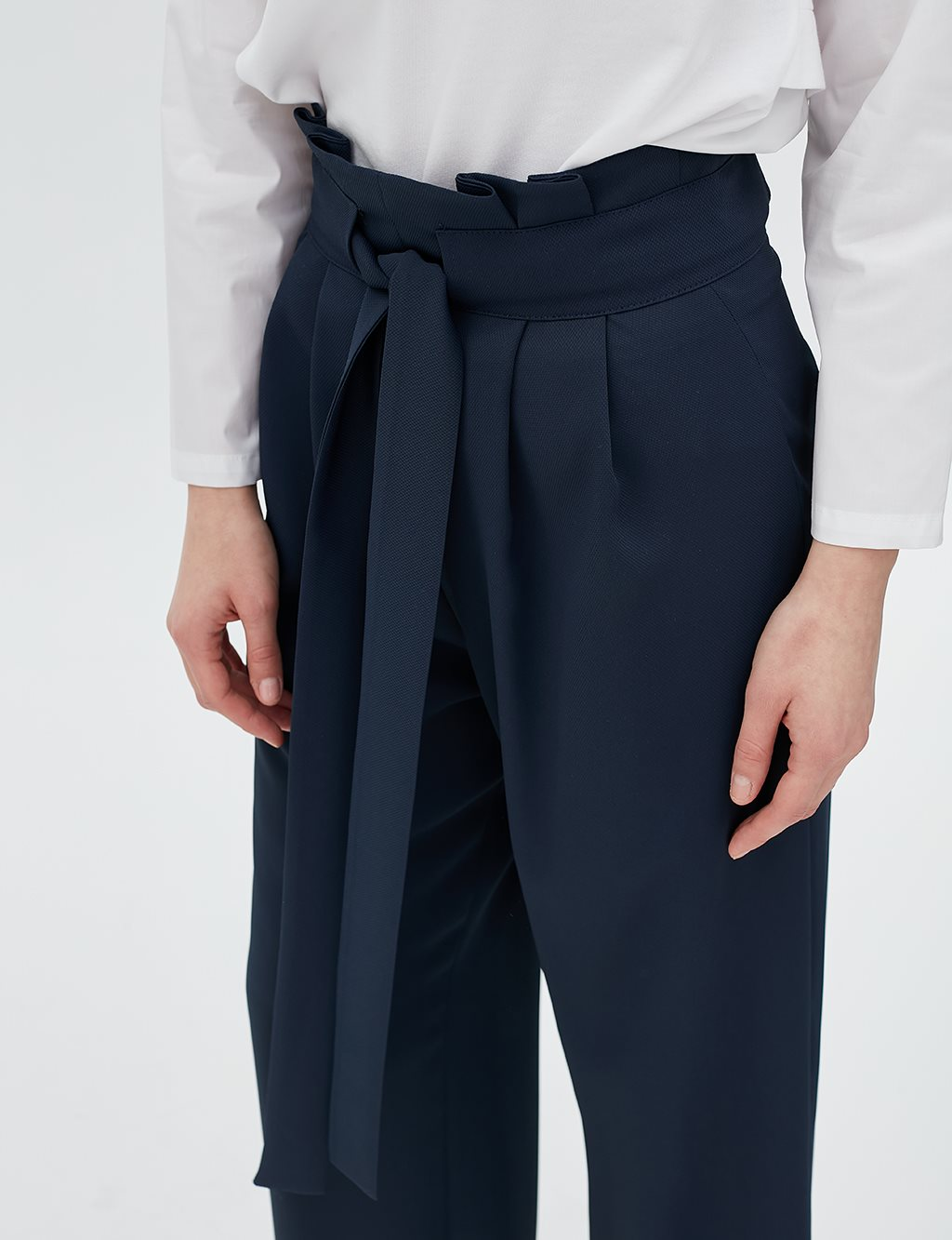 Pleated Pants With Belt B20 19155 Navy