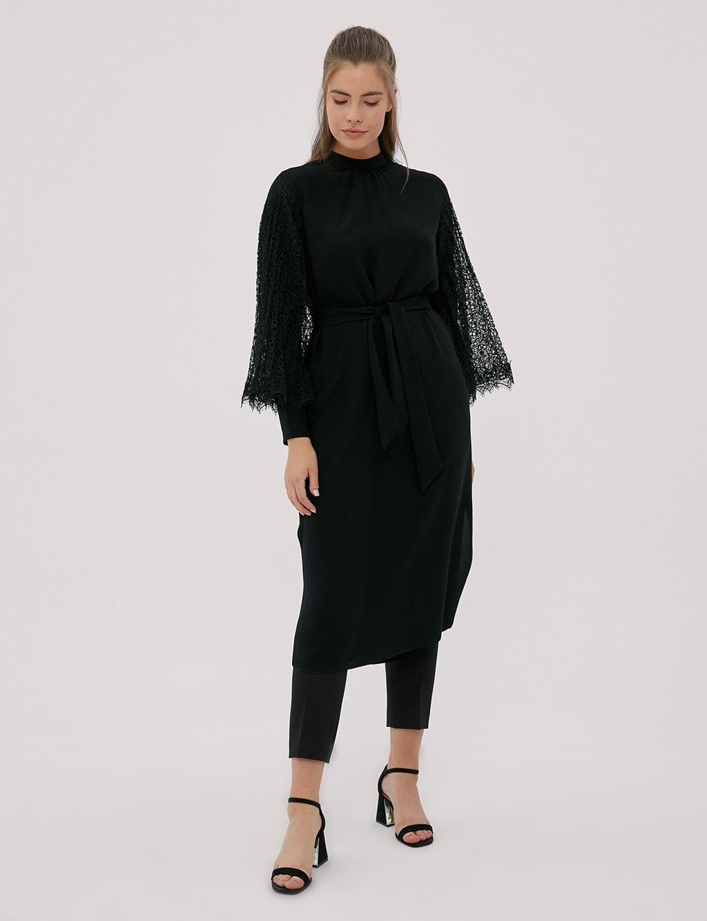 Long Tunic With Laced Sleeves Black A20 21020