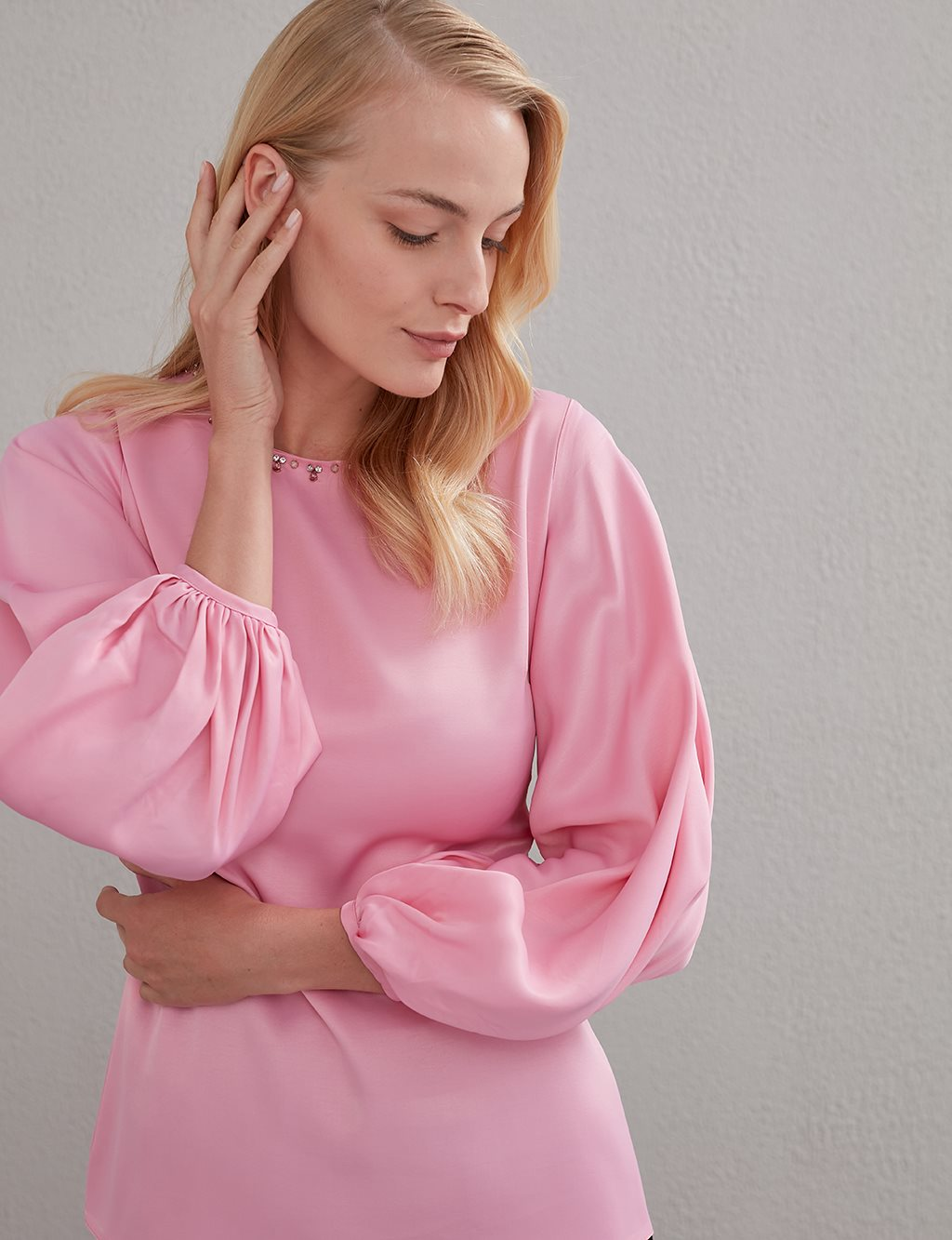 Stone Embellished Balloon Sleeve Blouse A20 10108 Pink