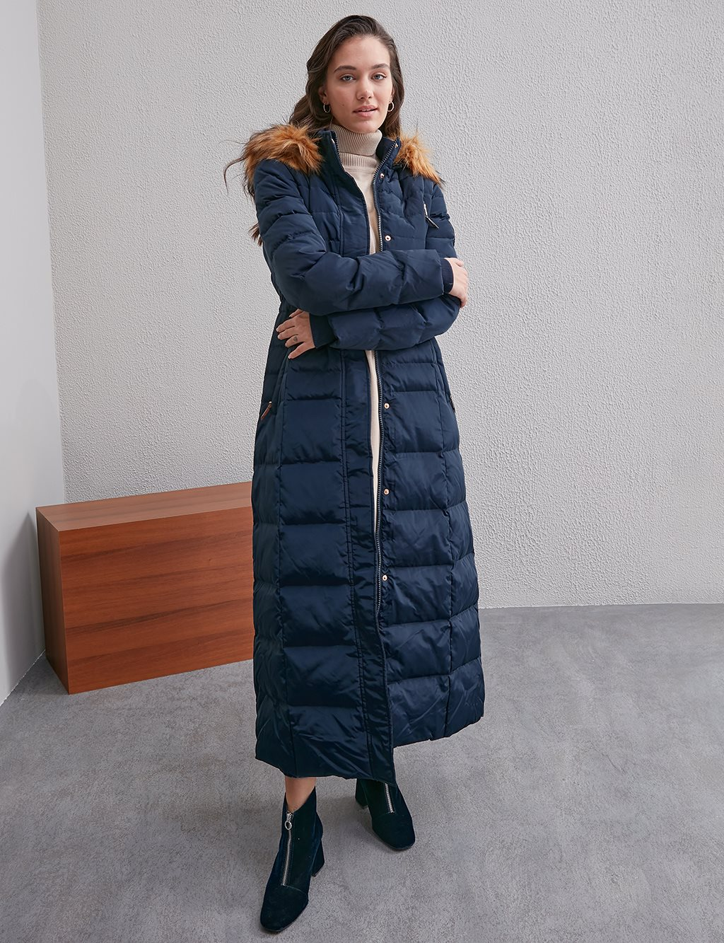 Square Quilted Long Goose Down Coat A20 27002 Navy