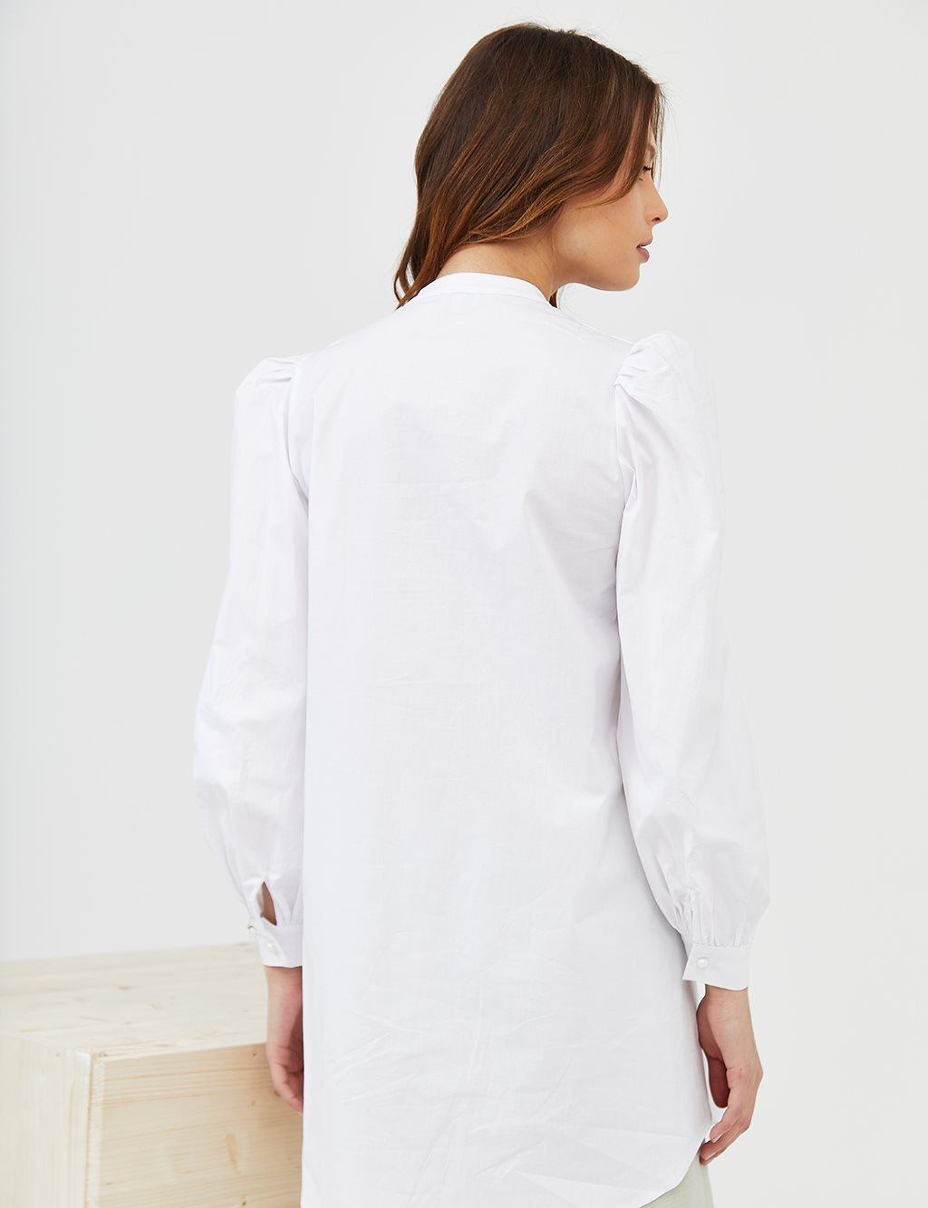Embroidered Round Neck Collar Tunic B21 21026 White